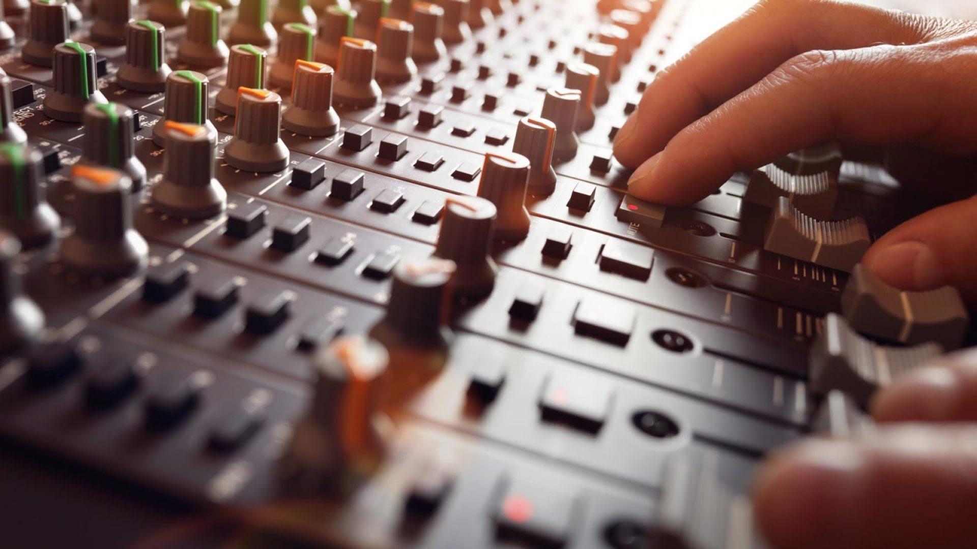 Nyhet! Musikproduktion som tillval eller egen kurs.